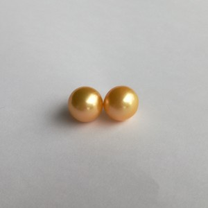 Pearls - pair - round, gold PP22-3