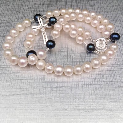 Rosary made of round white pearls with silver elements PRN13-B