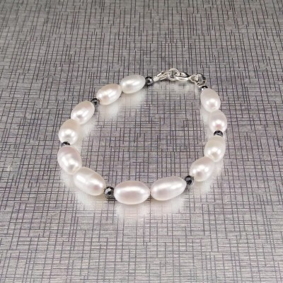 Bracelet made of real white pearls of the rice type combined with hematite 18, 19 or 20 cm PB08-H