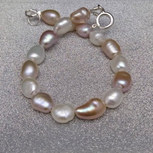 A multicolored bracelet made of real 18, 19 or 20 cm rice pearls PB35 MIX