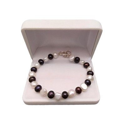Bracelet made of black and white pearls PB52/33-2