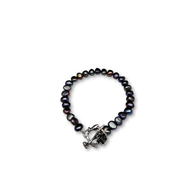 Pearl bracelet with graphite color corn with decorated clasp PB52-A-2