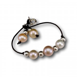 Bracelet made of real round pearls with strap 18 cm PBR13MIX-2
