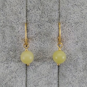 Gold-plated 10.5 mm jade green earrings with KK23 English clasp