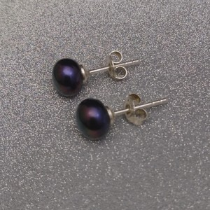 Earrings with real pearls black 8-8.5 mm on a silver stick PK05-E
