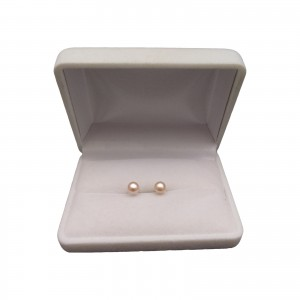 Classic earrings with pink 6-6.5 mm pearls on a silver stick PK07-B