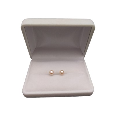 Classic earrings with pink 5-5.5 mm pearls on a silver stick PK07-B