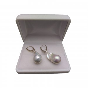 Silver earrings with a large pearl white hiu 16 mm on biglu English PK23