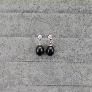 Set of real black pearls with rice bracelet and earrings on KP12-1 stick