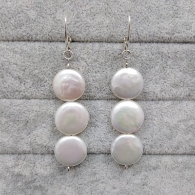 Hanging earrings with white coin pearls PKW16