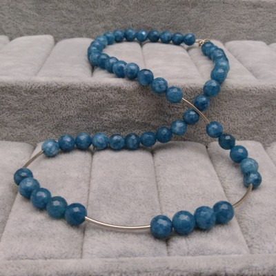 Jade necklace with silver elements 45 cm KN20