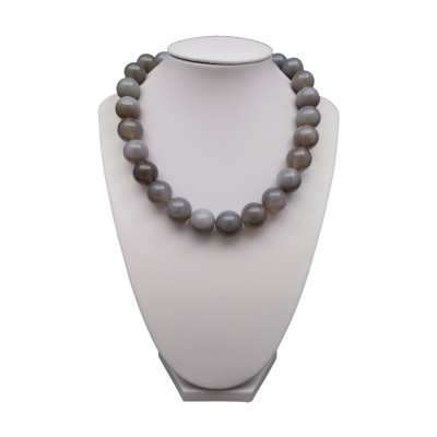 Agate necklace 16 mm gray round 43 cm KN26