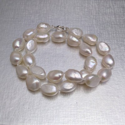 Necklace - white big corn pearls PES02-1