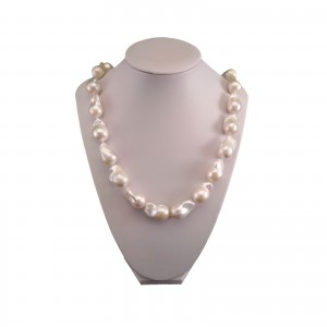 Necklace with genuine white hiu pearls 56 cm PNS02-J