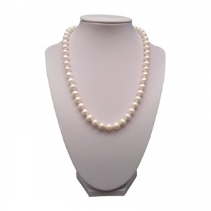 A necklace made of white pearls PNS27-A