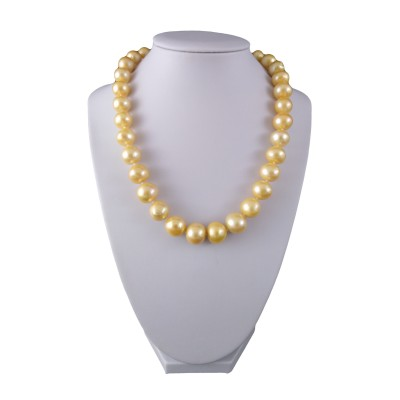 Necklace made of real round pearls with golden color 45 cm PNS30