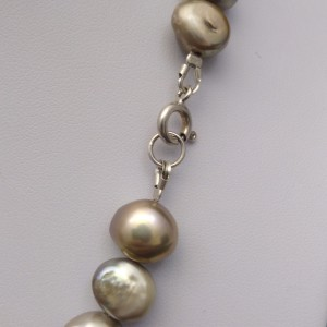 A beautiful corn necklace with real pearls 42 cm  PN04