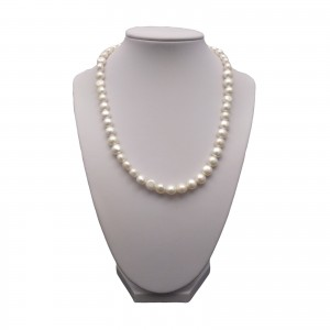A necklace of white corn pearls PN09-A