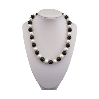 Necklace made of white pearls and agate 45 cm PN17