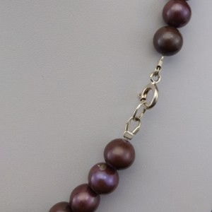 A necklace of real round eggplant pearls 45cm PGN37