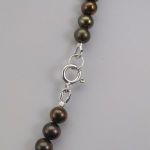 Necklace round green pearls PN44