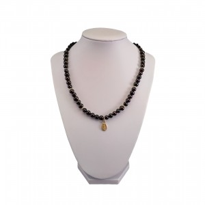 Necklace made of real pearls, black corn with a medallion PNP33