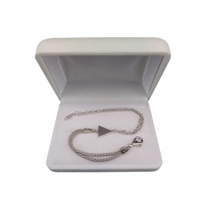 Silver bracelet with a celebrity triangle 17 cm SBC32M
