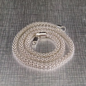 Decorative silver chain with a weave of popcorn 45 cm SL38