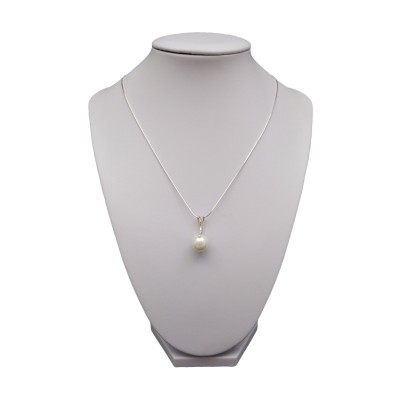 Pendant with white pearl PW17